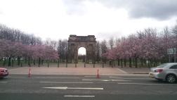 """Parkın girişindəki """"McLennan Arch""""ı"""